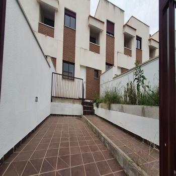 Vivienda en venta Chalet Adosado Banco 4 dormitorios Frondoso Valley T